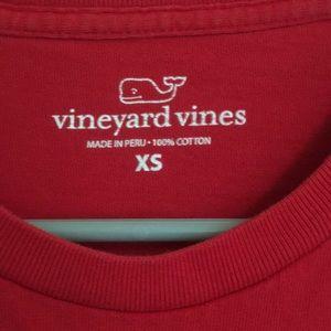 Vineyard Vines Tops - Vineyard Vines red log sleeve